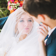 Wedding photographer Anna Kovaleva (Lostsoul). Photo of 09.03.2016
