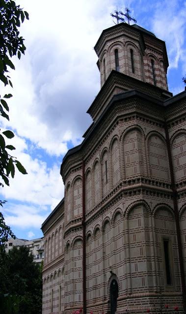 Mihai Voda Monastery in Bucharest architecture