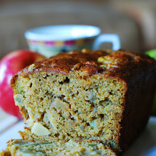 Pumpkin Banana Bread With Apples