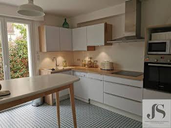 Maison meublée 7 pièces 180 m2
