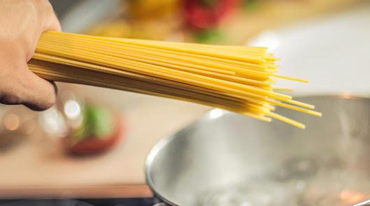 Spaghetti con atún, gambas y calabacín y pizza de coliflor: ¡sano y rico!