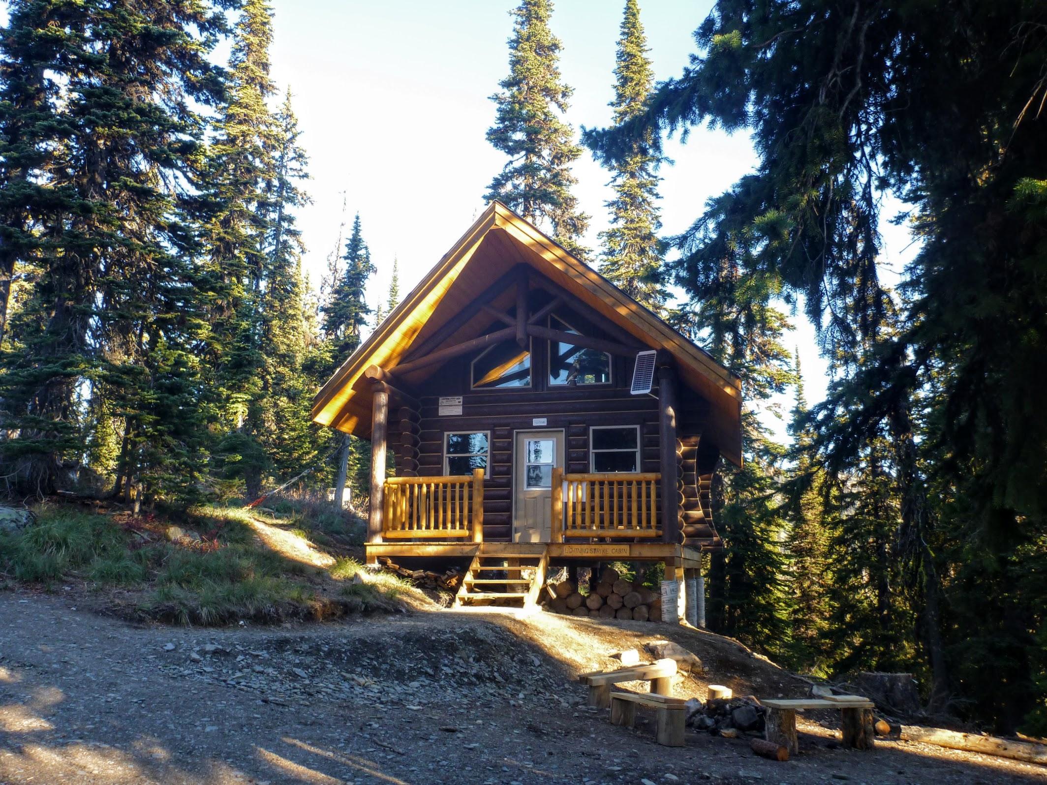 Lightning Strike Cabin (15 metres from Ripple Ridge Cabin)