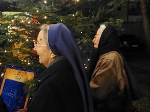 Photo: Einige Klosterschwestern aus dem Kloster St. Koloman beehren die Eröffnung.
