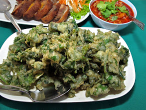 Photo: batter-fried ivy gourd vine with seafood and pork sauce, Kai Mook
