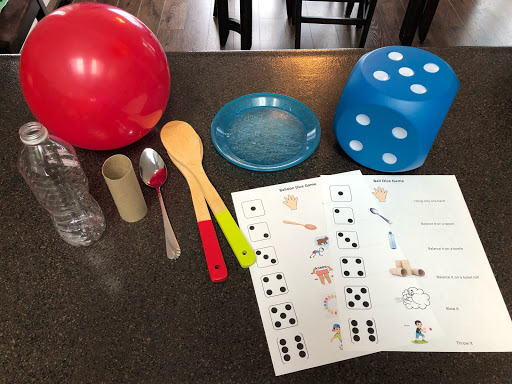 Balloon or Ball and Dice Game: Simple Fun for Kids