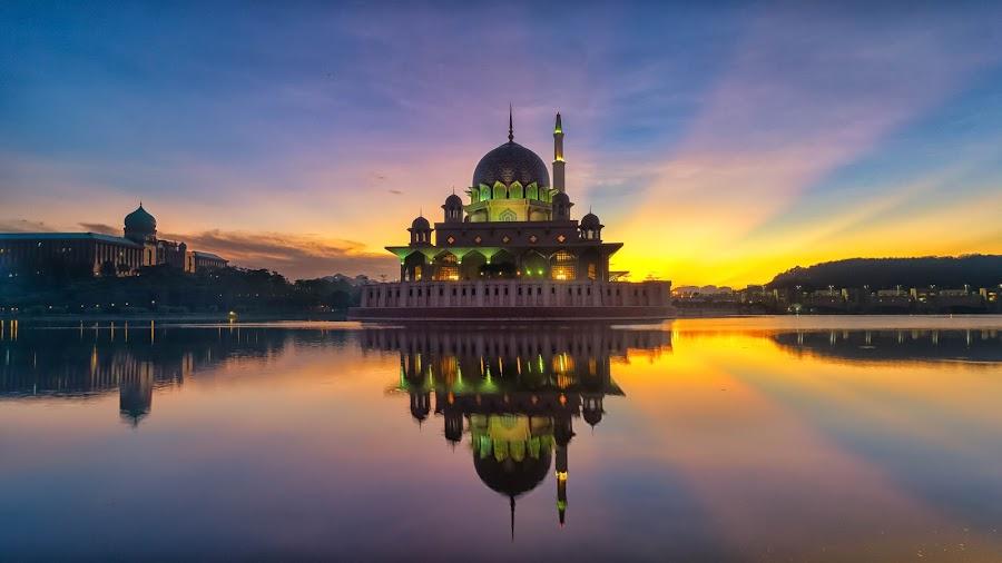 Mosque at Putrajaya Malaysia views during sunrise by Shahrin Ayob - Buildings & Architecture Places of Worship ( putrajaya, lakeside, mosque, sunrise, muslim, islam, reflection, malaysia )
