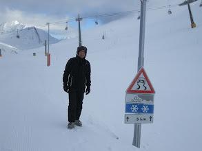 Photo: Граница Италии и Швейцарии. Летом здесь дорога. Зимой - лыжная трасса. Со снегом все в порядке. :)