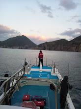 Photo: いやー、久しぶりの出航です。 予報は2.5mでしたが現地は「問題なし」の状態。はりきって釣るぞー!