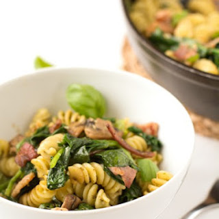 Bacon, Spinach, Mushroom and Pesto Pasta Recipe