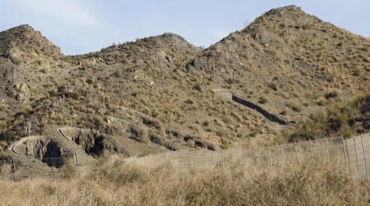 Cuevas ya estudia las actividades para la red de La Ruta de los Fenicios