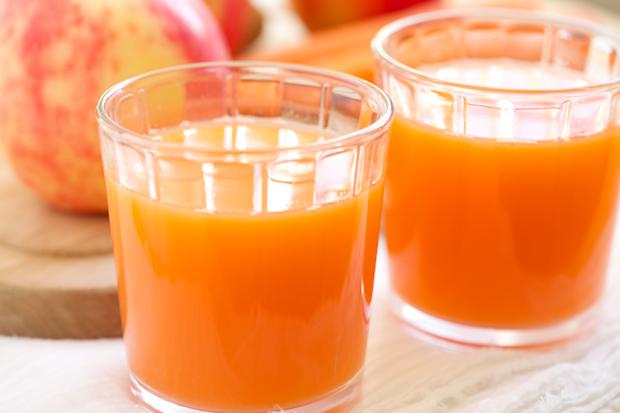 Skin Smoothing Carrot Apple Ginger Juice