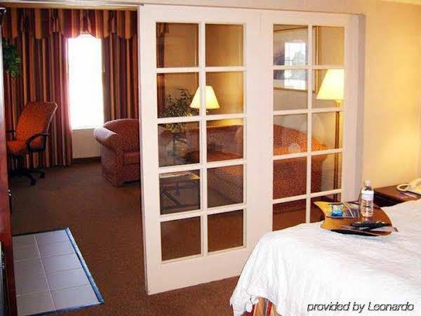 Hampton Inn & Suites Santa Ana/Orange County Airport