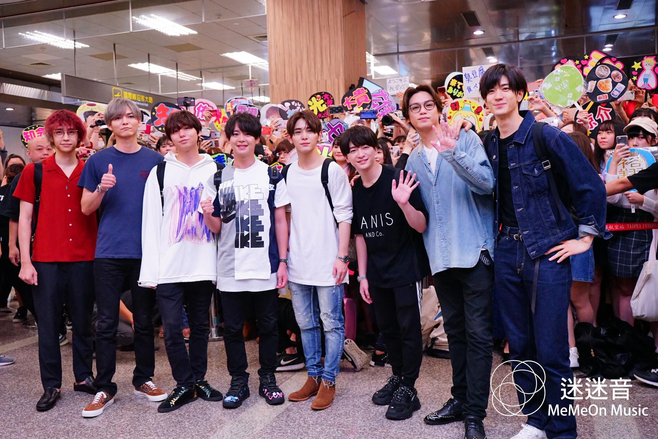[迷迷音樂] Hey! Say! JUMP 本日抵台 六百粉絲擠爆機場