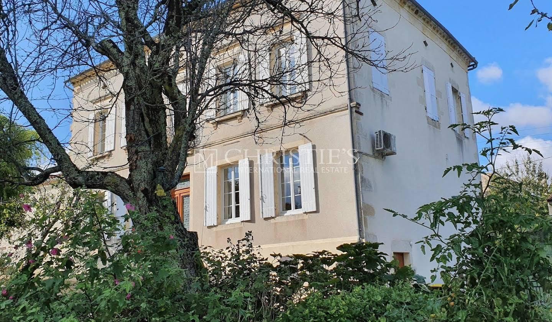 Property with garden Pellegrue
