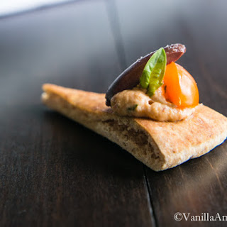 Roasted Garlic Sun-Dried Tomato Goat Cheese Canapé