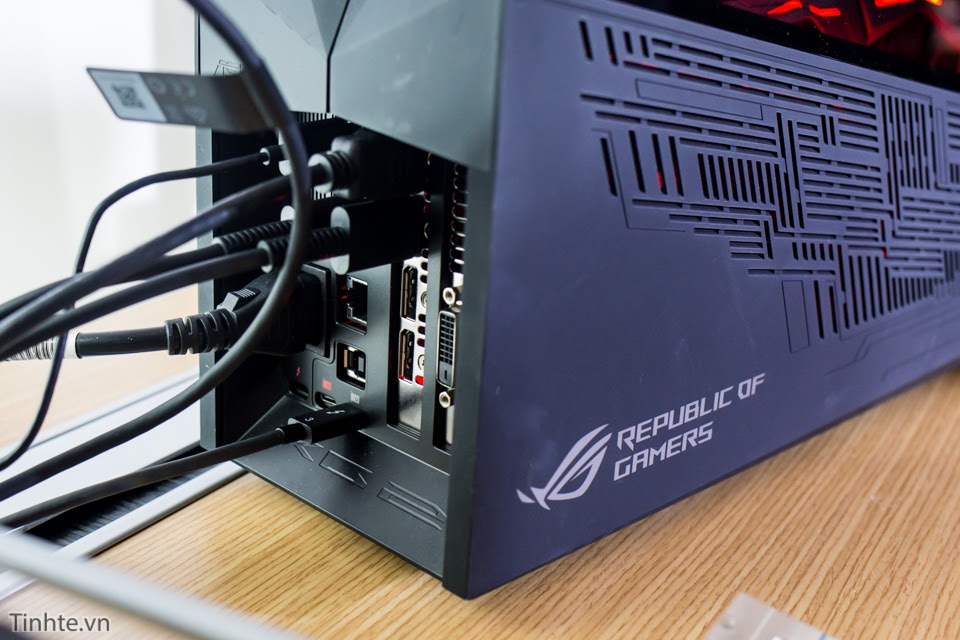 [Computex 2016] Trên tay dock card đồ họa ASUS RoG XG Station 2