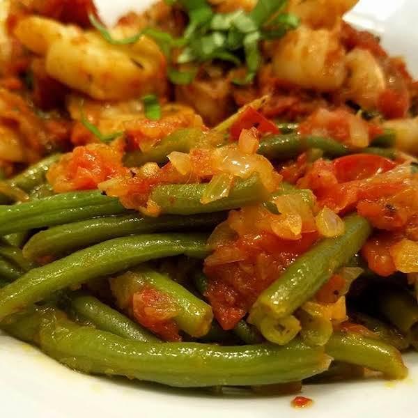 Green Beans & Carrots W/ Tomato, Garlic & Ginger Recipe