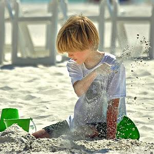 beach kid_0168 crop.jpg