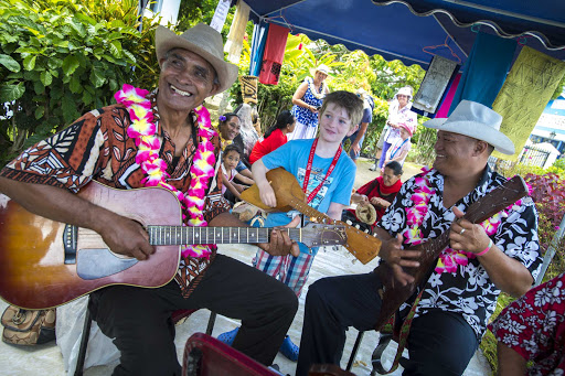 Tonga-guitarists.jpg - Music lovers of all ages will enjoy the guitarists of Tonga.