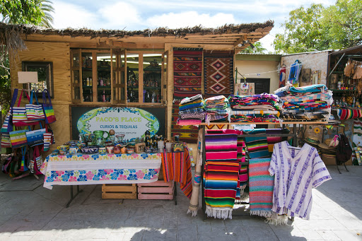 Paco's Place.jpg - Loreto is known for its finely woven weavings, tapestries and blankets and fabrics of every hue.
