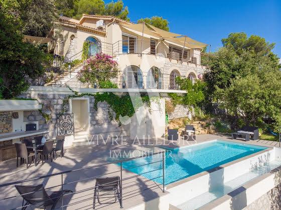 Vente villa 5 pièces 210 m2