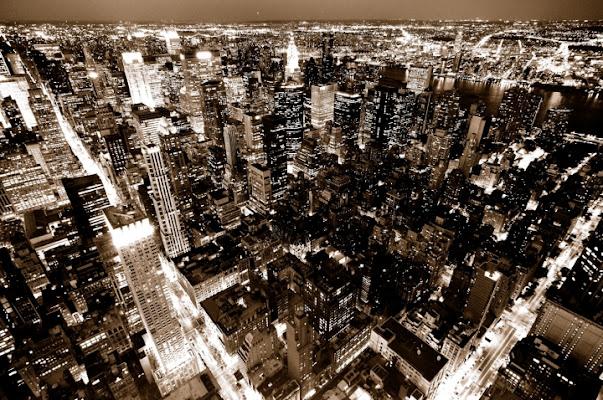 City Of Blinding Lights di photofabi77