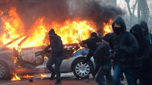 Dershowitz: Antifa is on slippery slope to 'tear down America'