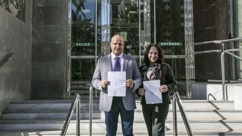 Rodrigo Alonso y Luz Belinda Rodríguez, parlamentarios de Vox Almería.