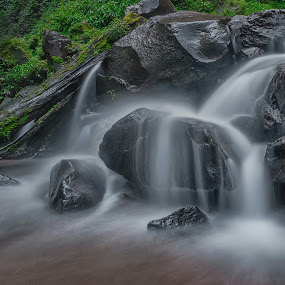 Playing with water by Raden Bagus Paijo - Landscapes Waterscapes ( waterfall, beach, waterscapes, landscape )
