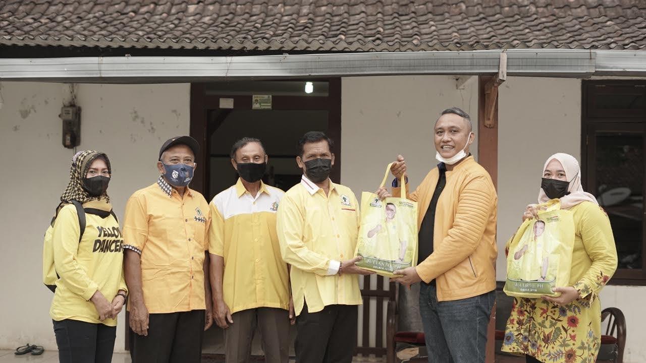 Peduli di Masa Pandemi, Pendiri AC Majapahit Membagikan 3000 Paket Sembako