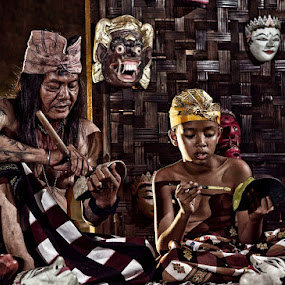 Mask Maker Family.....Sculpturing & Painting... by Vincent Sinaga - People Family