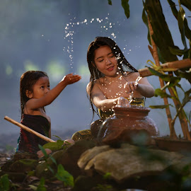 Playing water with My Lovely Mom by M Reza Saptodi - Babies & Children Children Candids