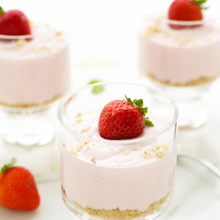 Light No Bake Strawberry Cheesecake Cups
