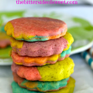 Rainbow Cream Cookies.