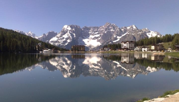 Lago e montagne di clay05