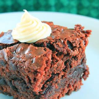 Slow Cooker Self-Frosting Fudge Cake.