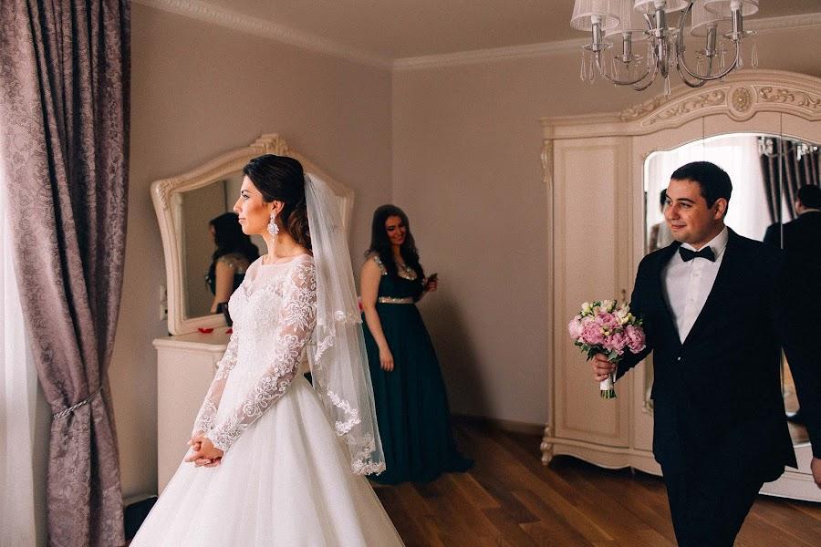 Wedding photographer Tanya Bogdan (tbogdan). Photo of 01.03.2017