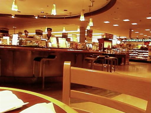 www.RickNakama.com New Kapahulu Safeway