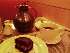 www.RickNakama.com Mac 24/7 Bar & Restaurant at the Hilton Prince Kuhio Hotel