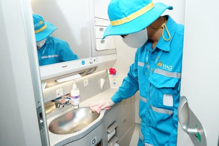 khử trùng máy bay toilet bồn rửa trên máy bay