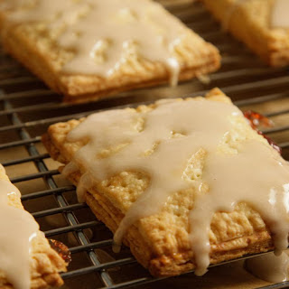 Frosted Strawberry Pop Tarts