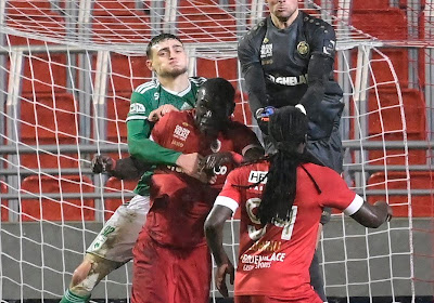 """Sportief directeur spreekt voor zijn beurt: """"We onderhandelen met Antwerp over transfer"""""""