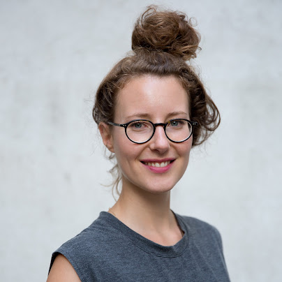 woman with brown hair in bun smiling, Founders Academy, Google for Startups