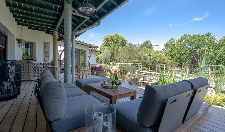Maison avec terrasse Bassussarry