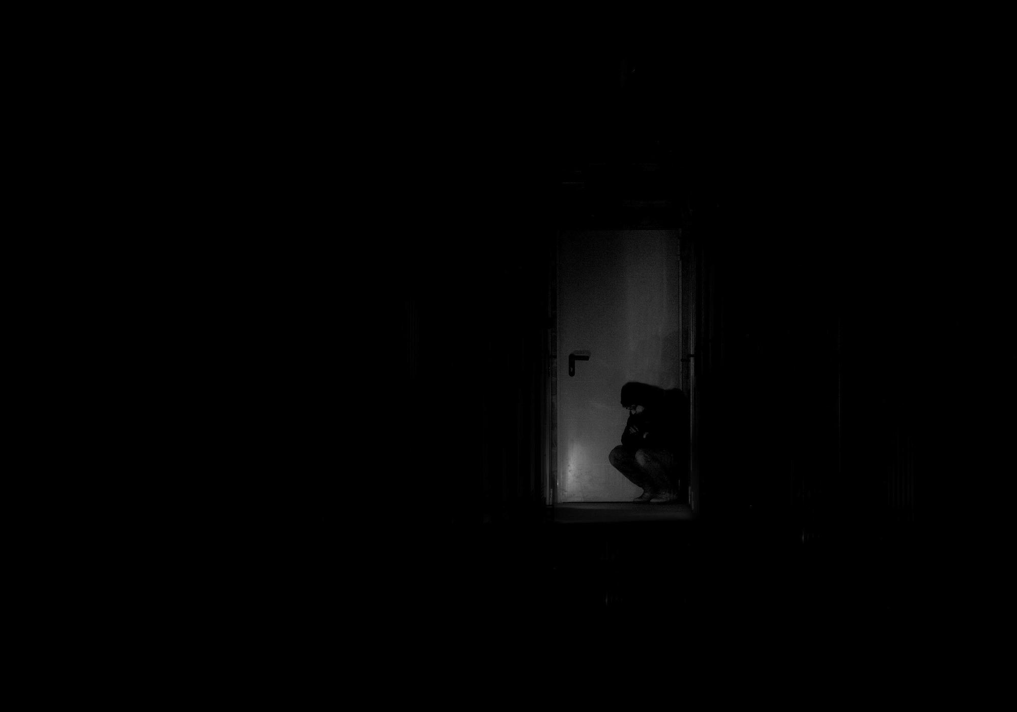 Una porta nel buio di Salvatore Massaiu