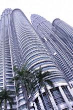 Photo: Petronas Towers @ Kuala Lumpur, Malaysia - http://photo.leptians.net