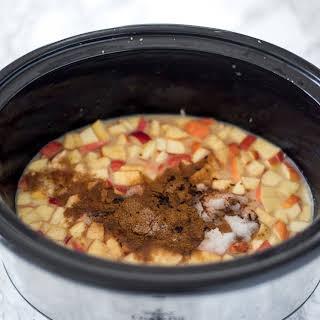 Crockpot Apple Pie Oatmeal.