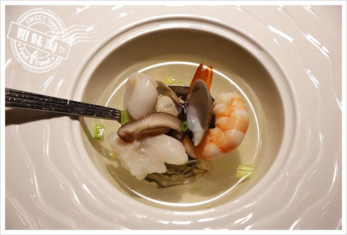 家蒂諾鐵板燒-海鮮清湯