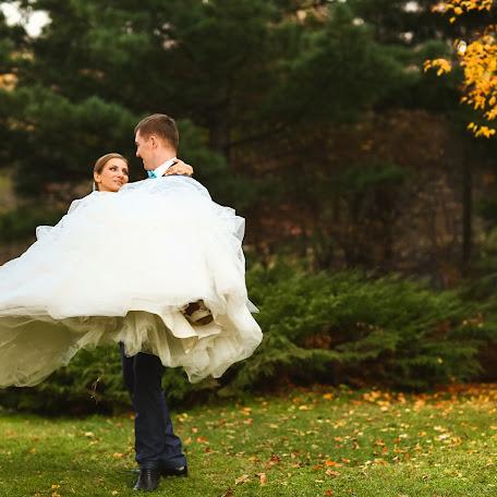 Wedding photographer Olesya Lavrova (kicune). Photo of 03.04.2015