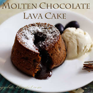 Cutting through the centre of a cake, watching a stream of hot chocolate lava flowing out, pairing it with a scoop of freezing cold ice cream. Does it sounds like just the perfect dessert for tonight?.